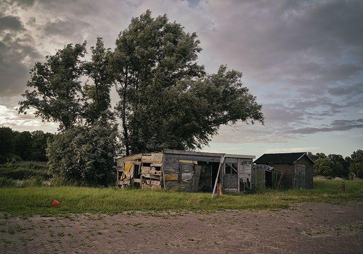 Verlaten en vervallen huisje in de kop van Noord-Holland.