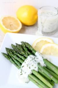 Asparagus with Lemon Dill Sauce - A great healthy side dish! The easy sauce gives it so much flavor!
