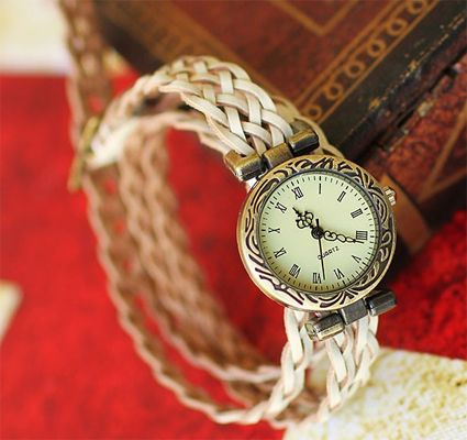 White Vintage Hand-waved Rattan Quartz Women Watch