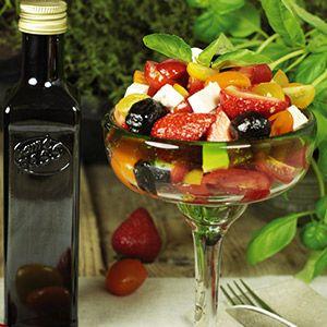 Kirschtomatensalat mit Erdbeeren und Fetakäse