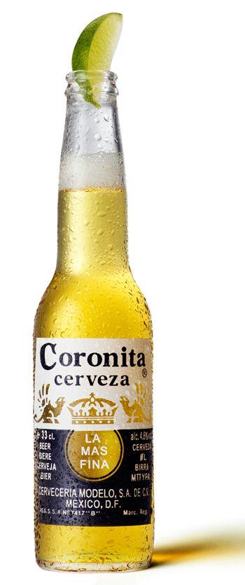 CORONITA/CORONA Cerveza mexicana tipo pilsener, mundialmente conocida, de color amarillo dorado y sabor ligero, muy refrescante. Alcohol 4,6%