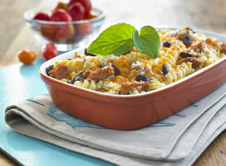 Make Life Easy with this Tuna Mac and Cheese recipe! LIKE us at https://www.facebook.com/goldseal  #PinToWin #NoDrainer #MakeLifeEasy