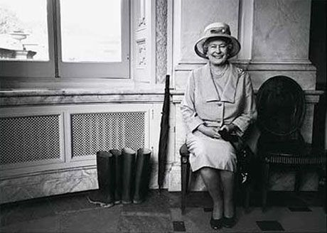 The image of Queen Elizabeth II was captured at the corridor of Buckingham Palace by the famous Canadian singer- Bryan Adams