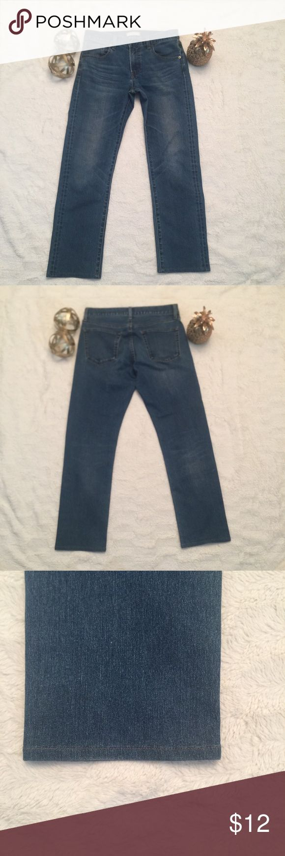 Uniqlo Jeans Uniqlo Jeans. Straight leg. These have been altered and shortened. Tag says 29 x 32 but length is closer to 27 inches. Uniqlo Jeans Straight Leg