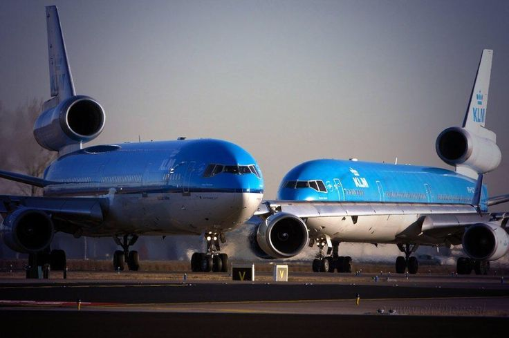 A pair of KLM Royal Dutch Airlines McDonnell-Douglas MD-11s (shortly before retirement)