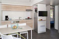 keuken stacaravan | ... Pinterest - Single Wide, Stacaravan Verbouwing en Stacaravan Keukens