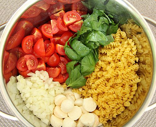 One Pot Pasta Tomate-Mozzarella