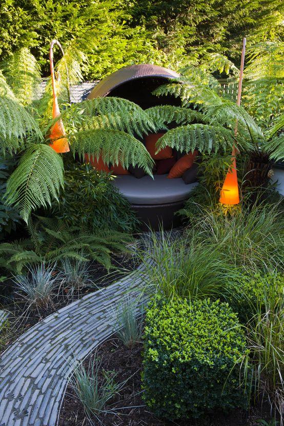 Pomarańczowe lampy w ogrodzie https://www.homify.pl/katalogi-inspiracji/10006/zewnetrzne-oswietlenie-domu