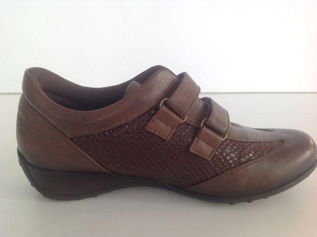 #zapato #comodo #deportivo #fashion #mujer #marron #tacon