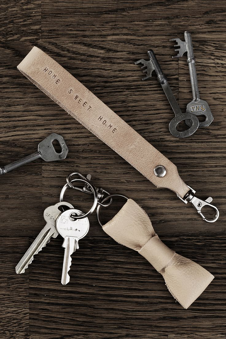 Leather keychain www.panduro.com Leather details by Panduro #DIY #interior #leather #key #keychain