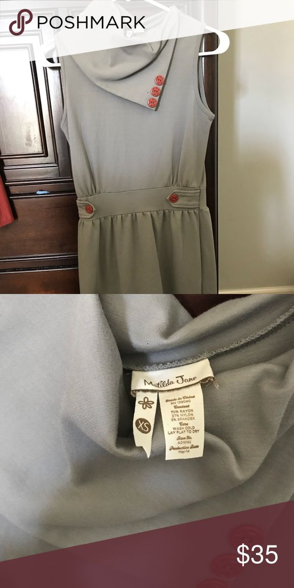 Matilda Jane Gray Beaches Dress Size XS Super cute and flattering waistline. Size XS Gray Beaches Dress from Matilda Jane. Worn twice. Matilda Jane Dresses