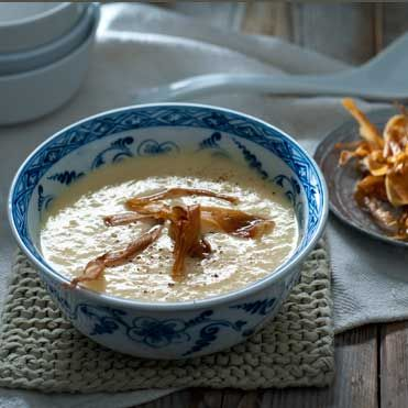Parsnip soup with ginger and horseradish [dutch]