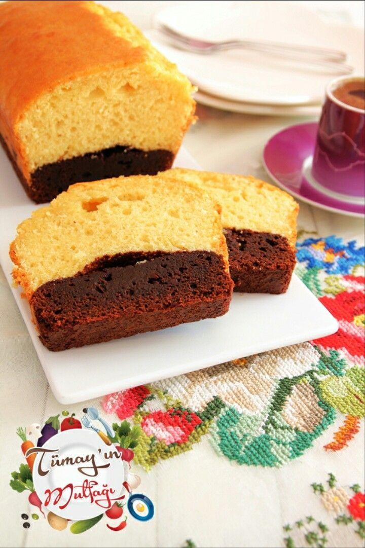 BROWNIE KEK ( Altı browni üstü kek); http://www.tumayinmutfagi.com/2017/02/20/brownie-kek-alti-browni-ustu-kek/