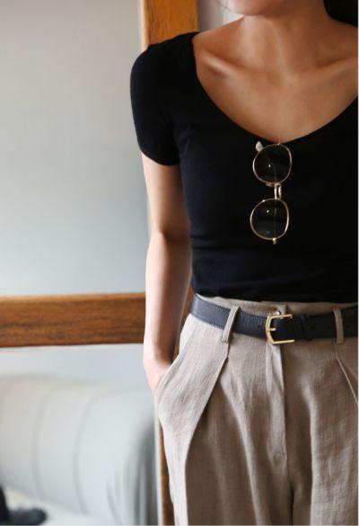 Black scoop-neck top & beige trousers | @styleminimalism