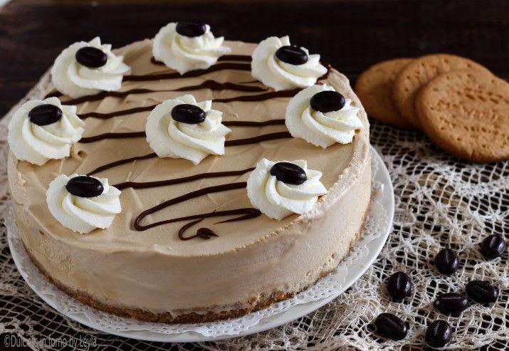 Torta gelato al caffè veloce: una torta davvero deliziosa, morbida al taglio, gustosa e molto molto golosa ! Consigliatissima !