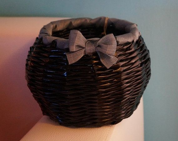 Decorative paper basket