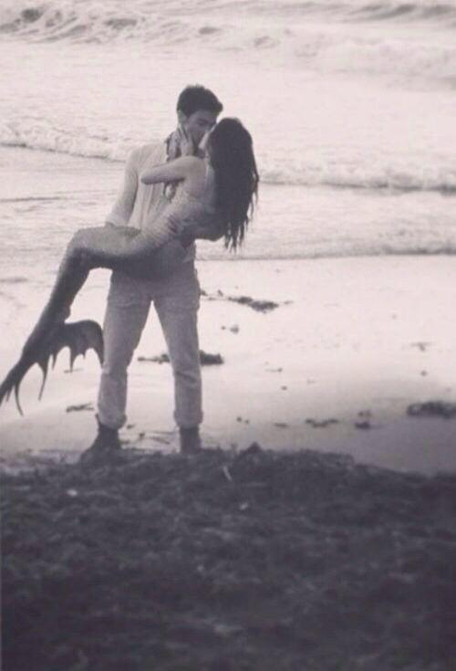 Mermaid love  Não importa a diferença o amor é único ♡