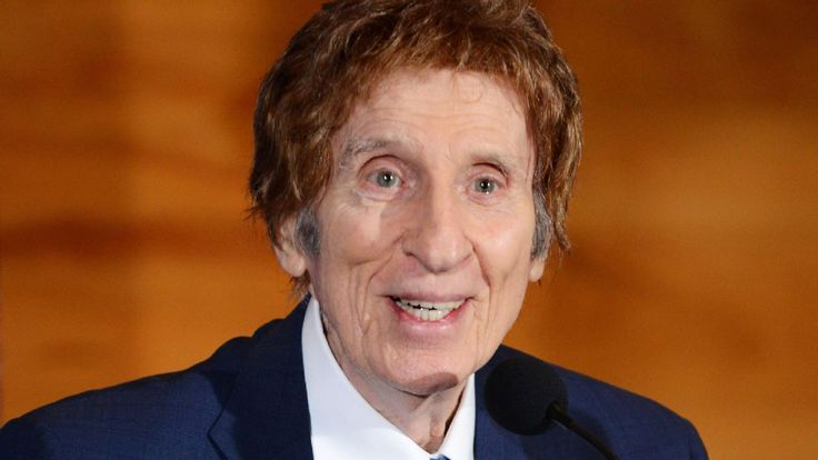 Mike Ilitch, owner of Detroit Tigers and Red Wings, dies at age 87