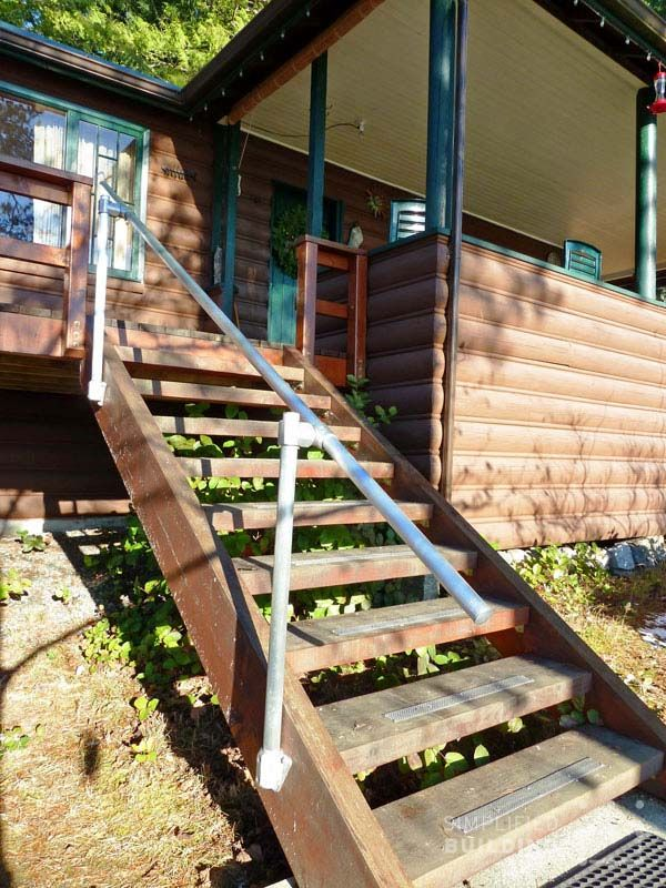 212 best images about pipe railing on pinterest metal for Concrete patio railing
