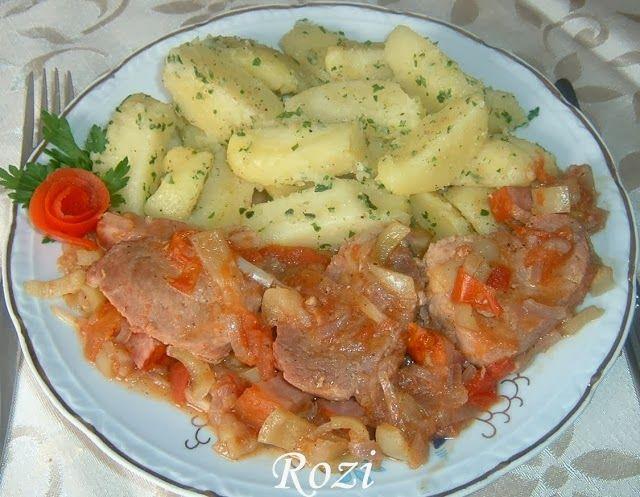Hozzávalók 4 személyre: 60dkg szűzhús,vagy pecsenyehús 2 vöröshagyma 20 dkg paradicsom(két közepes) 20 dkg zöldpaprika(két közepes)...
