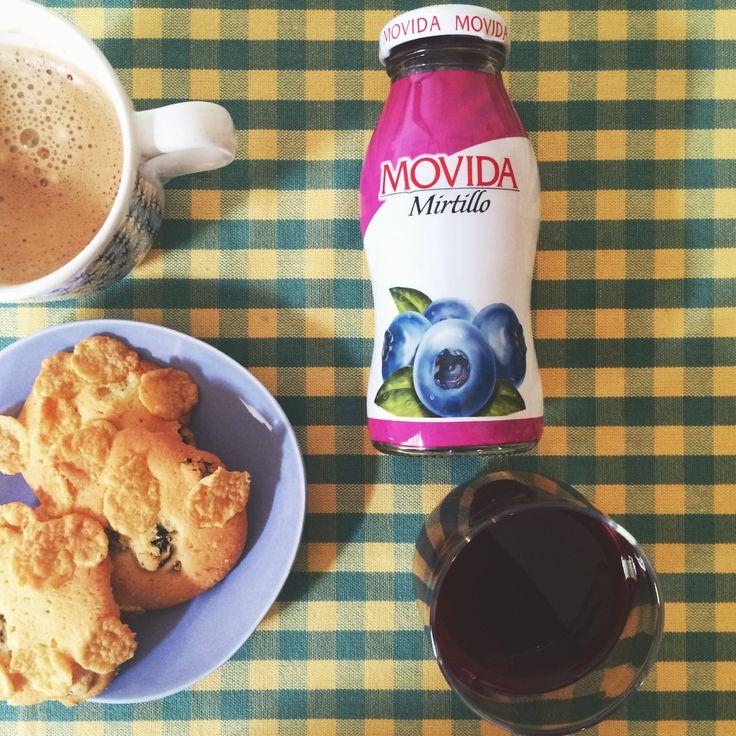 Colazione con il #succo #Movida al #mirtillo :)