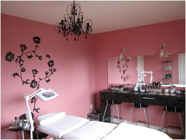 Divine Lashes - Specializing in eyelash extensions in Toronto/GTA area