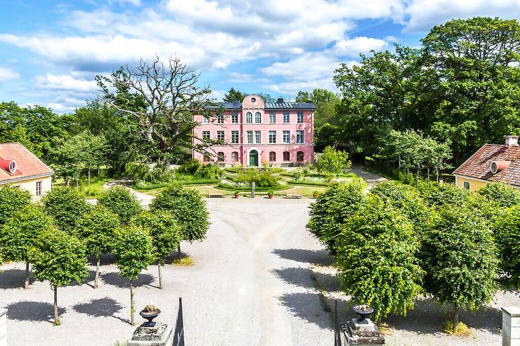 http://www.hemnet.se/bostad/villa-15rum-brakne-hoby-ronneby-kommun-hobykullsvagen-7-9340077/bilder  Bild: 15 rum villa på Hobykullsvägen 7, Ronneby kommun Bräkne Hoby