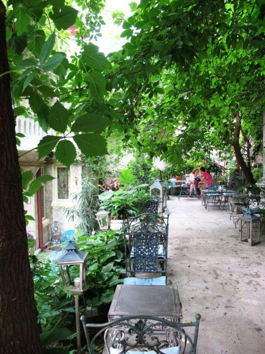 Romantic garden at Infinitea teahouse in Bucharest, Romania <3