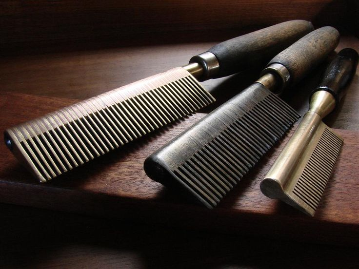 Using A Straightening Comb On Natural Hair