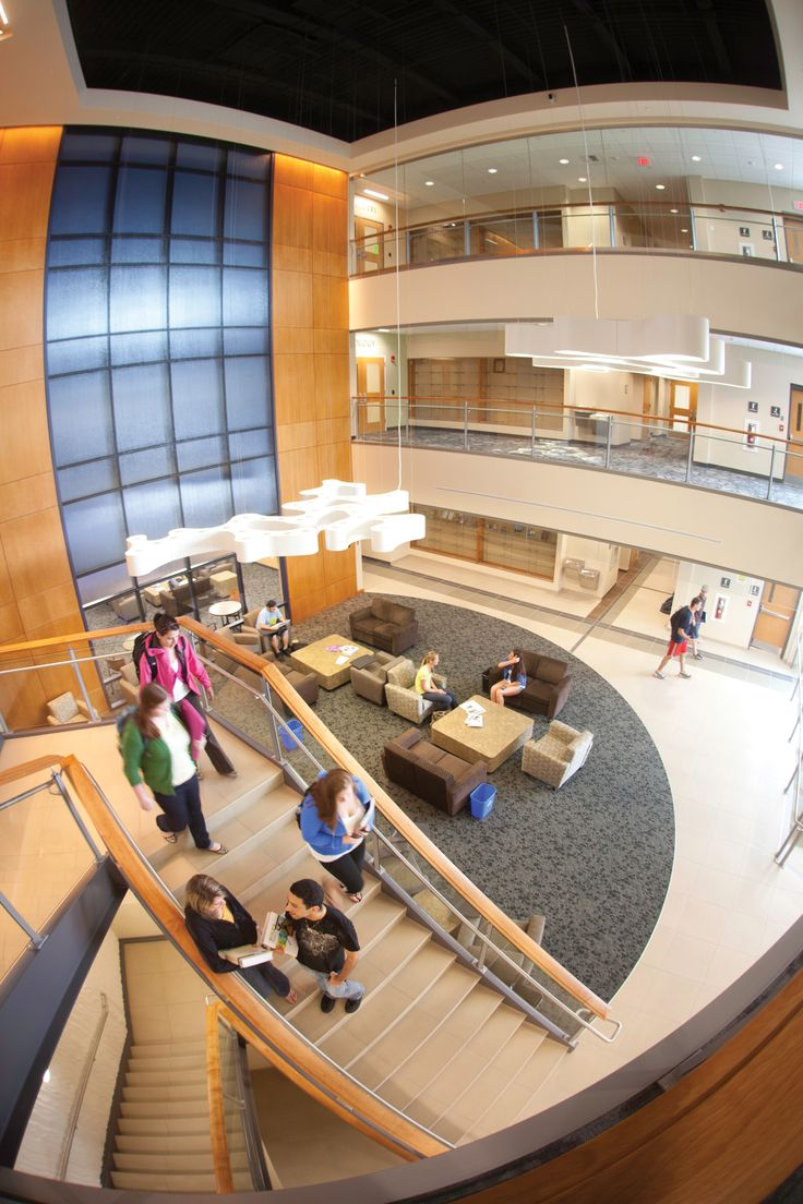 Inside the Center for the Sciences and Pharmacy at Western New England University