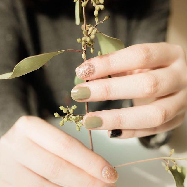 Mossy green nail polish