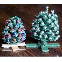 Miniature Pinecone Christmas Trees Craft