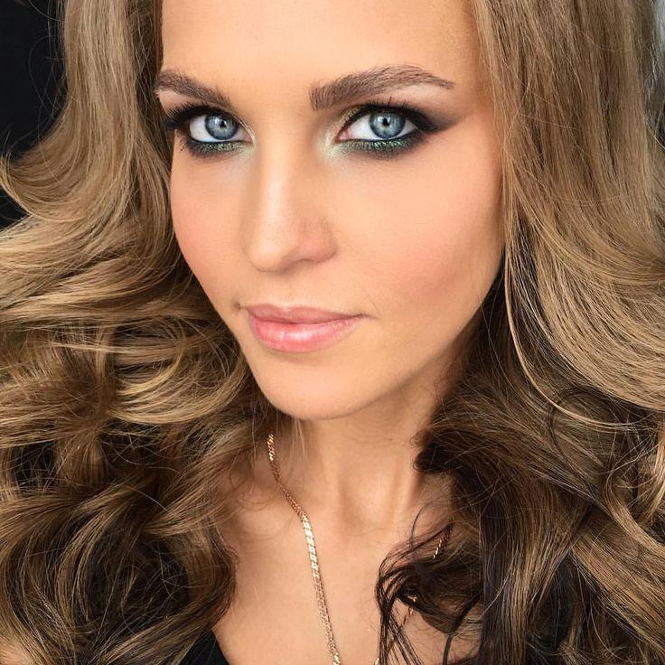 Готовим моделей к нашему мк) и вот мой макияж готов,скоро видео Make up by me #makeup #make #makeupartist #визажист #макияж #wedding #weddingstyle #bridal