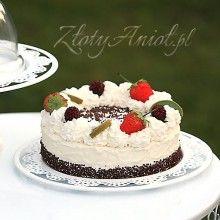 Równie ważny jak dekoracja tortu jest sposób jego podania. Możesz to zrobic za pomocą dekoracyjnego taletrza z ażurowym wzorem!