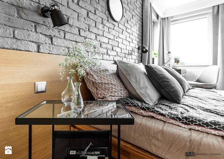 Mieszkanie z czerwonym akcentem - Sypialnia, styl industrialny - zdjęcie od SAS Wnętrza i Kuchnie