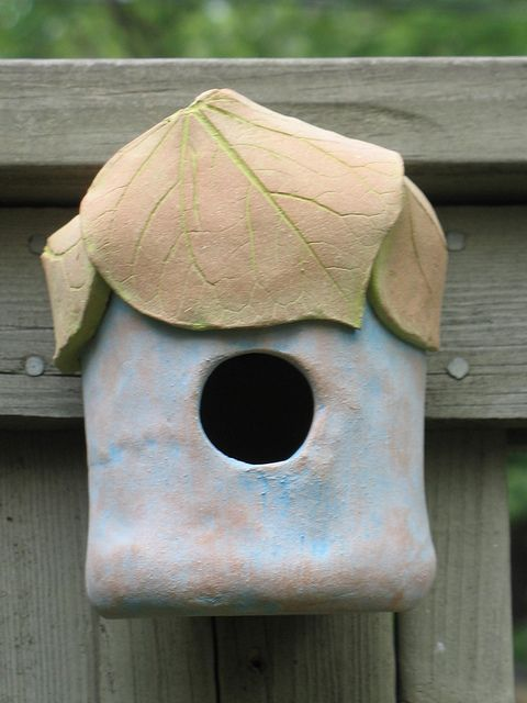 pottery birdhouse Love this-- maybe should try at raku workshop