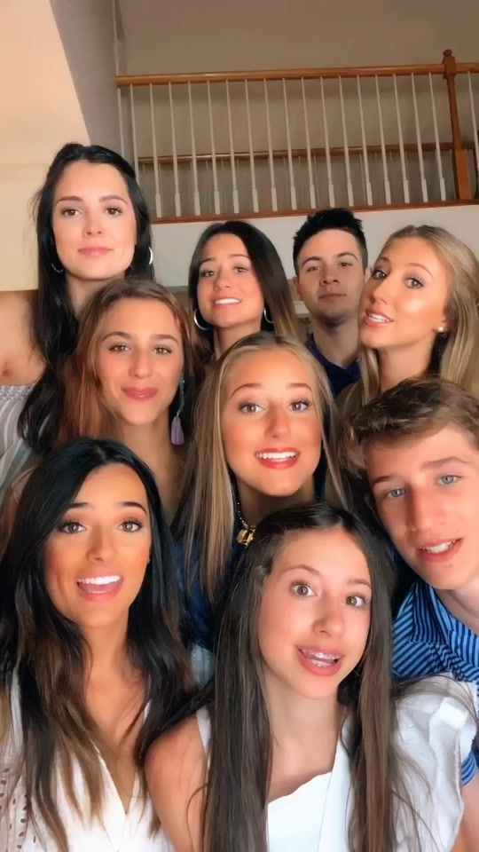 Sibling Anthem Created By Randomssoplayer Popular Songs On Tiktok In 2021 Anthem Song Best Friend Photos Friend Photos