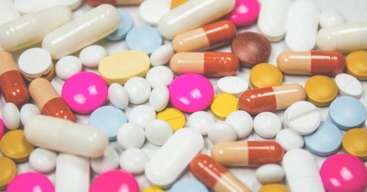 15 % työelämässä olevista käyttää reseptikipu- ja psyykelääkkeitä. Mitä siitä pitäisi ajatella? https://www.tehylehti.fi/fi/blogit/mainio/laakkeilla-toihin #EHYT #lääkkeet #työ #mieli #mainio #blogi #Tehy