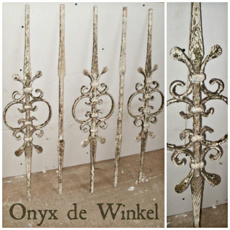 antique banisters @onyxdewinkel.nl