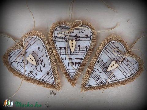"""""""Öreg kotta""""-Zsákvászon szívek-Fa, szív alakú gombbal (ediholmi) - Meska.hu"""