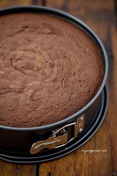 Biszkopt genueński czekoladowy
