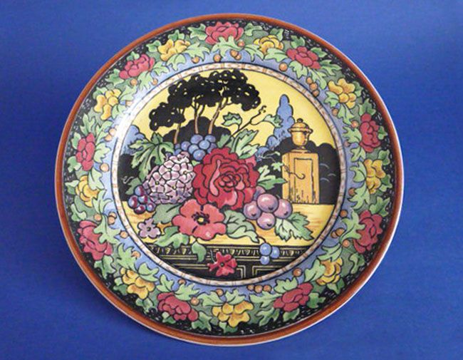 Royal Doulton 'Flowers and Urn' Rack Plate D5208 c1935