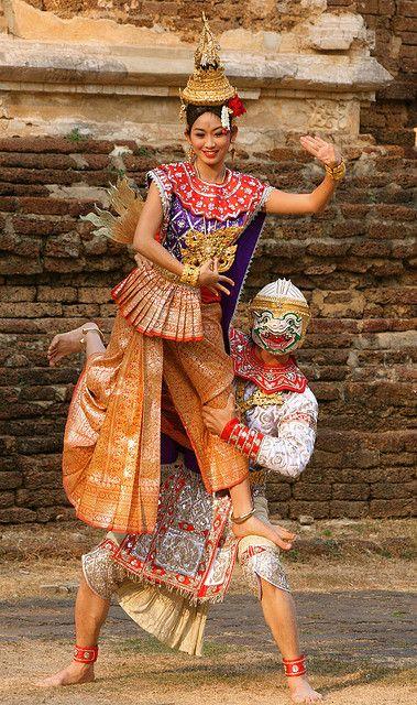 Thai Costume @ Wat Jed Yod, Chiang Mai, Thailand.