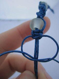 Easy Macrame Bracelet - Photo Tutorial