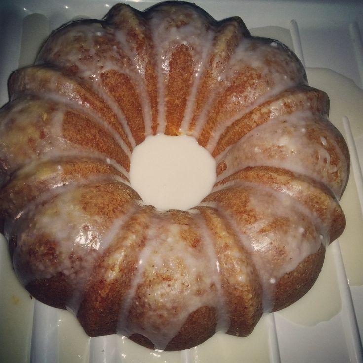 Pinterest Success! Vanilla Bundt cake with Chocolate Cream Cheese filling.   Recipe: http://cookiesandcups.com/fudge-filled-vanilla-bundt-cake/