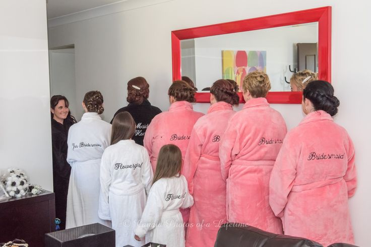 Wedding photographer, Candid Photos of a Lifetime  - bathrobes for the bridal party girls