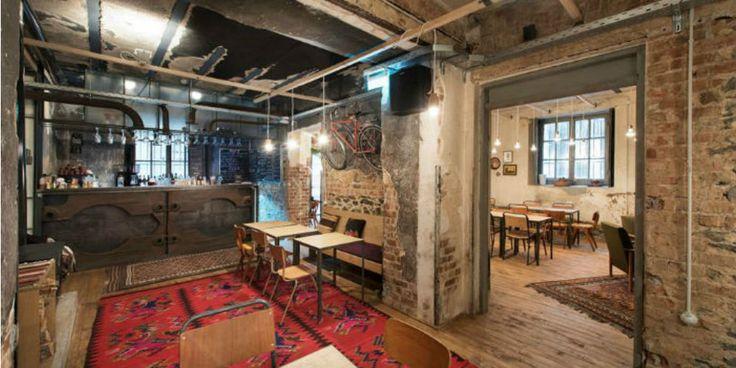Η Θεσσαλονίκη έχει μερικές υπέροχες επιλογές για τους λάτρεις του διαβάσματος σε καφέ και εμείς ξεχωρίσαμε τα αγαπημένα μας 4 σημεία στην πόλη