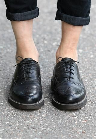 Vintage 80s Perforated Wingtip Oxford Shoes