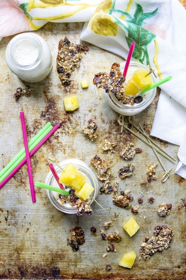 smoothie-ananas-con-granola-homemade-contemporaneo-food