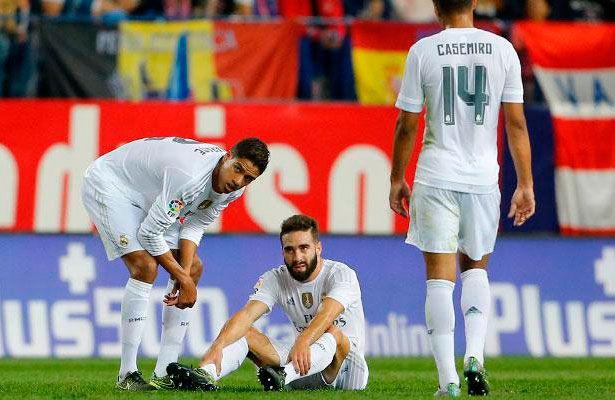 """Real Madrid confirma la lesión de Carvajal - El Real Madrid ha confirmado que el lateral español Dani Carvajal sufre """"una lesión en los tendones peroneos del tobillo derecho"""", según revela..."""